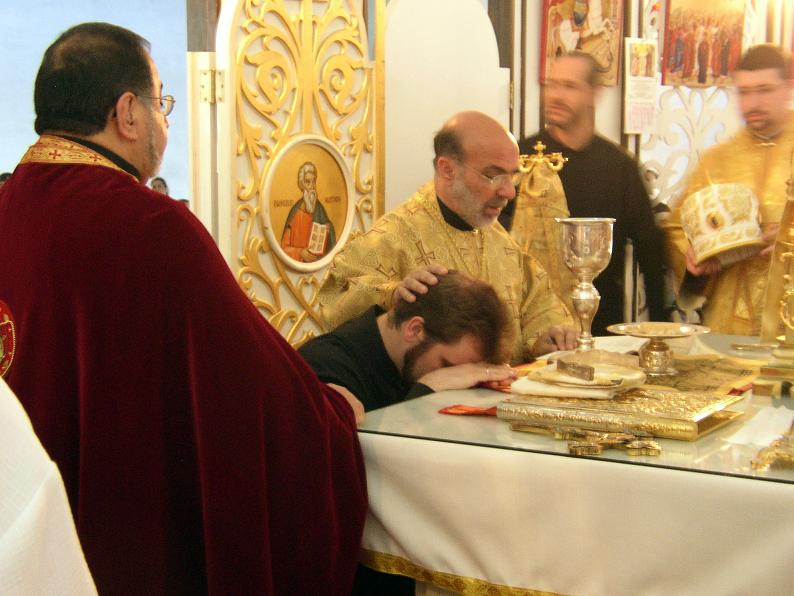 Fișier:Deacon ordination.jpg
