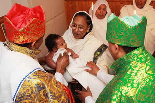 Battesimo e crismazione copto ortodosso.jpg