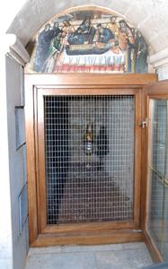File:Saint Savvas-tomb.jpg