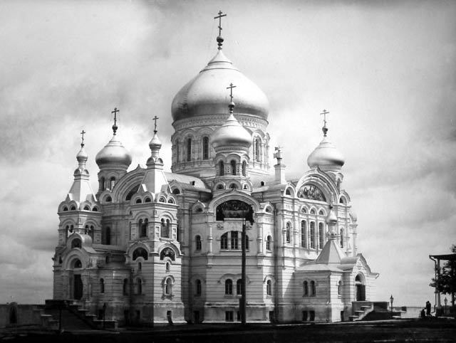 File:Belogorsky Monastery, near Kungir, in the Perm District of Russia.jpg