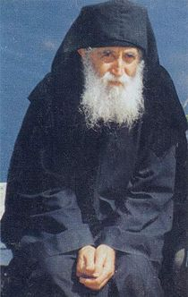 http://commons.orthodoxwiki.org/images/thumb/6/67/Elder_Paisios_of_Mount_Athos.jpg/210px-Elder_Paisios_of_Mount_Athos.jpg