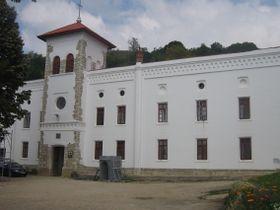 Manastirea Arnota3.jpg