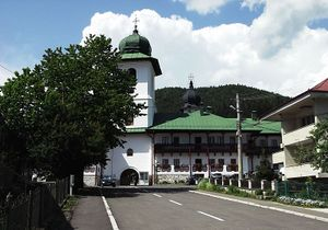Mănăstirea Agapia - intrarea