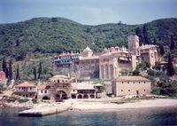 Η άποψη της μονής Δοχειαρίου από το καραβάκι.jpg